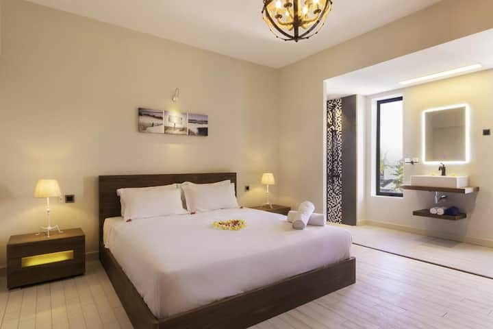 Luxury Bedroom With Sea View - Azure Beach Boutique Hotel