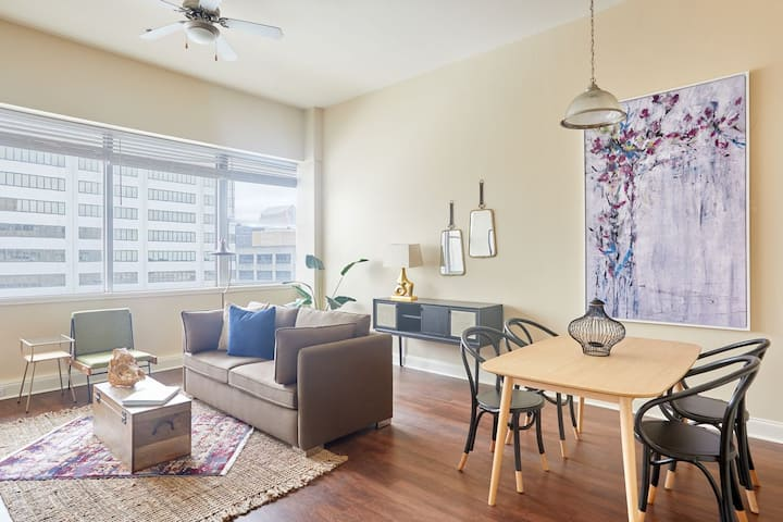 Sonder | Duncan Plaza | Charming 1BR in CBD