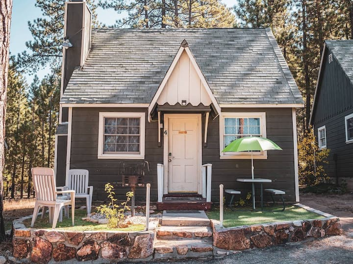 babebearCozy classic cabin4# with perfect location