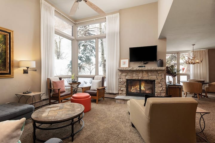 Newly Listed - Rare Ski-In/Out to Aspen Mountain. Gas Fireplace,  Full Kitchen, En-Suite Baths.