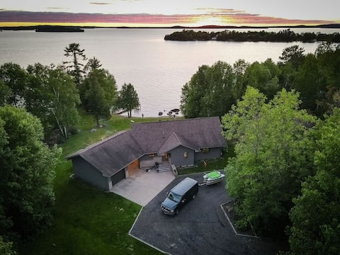 New! Sunset views at private Lake Vermilion cabin