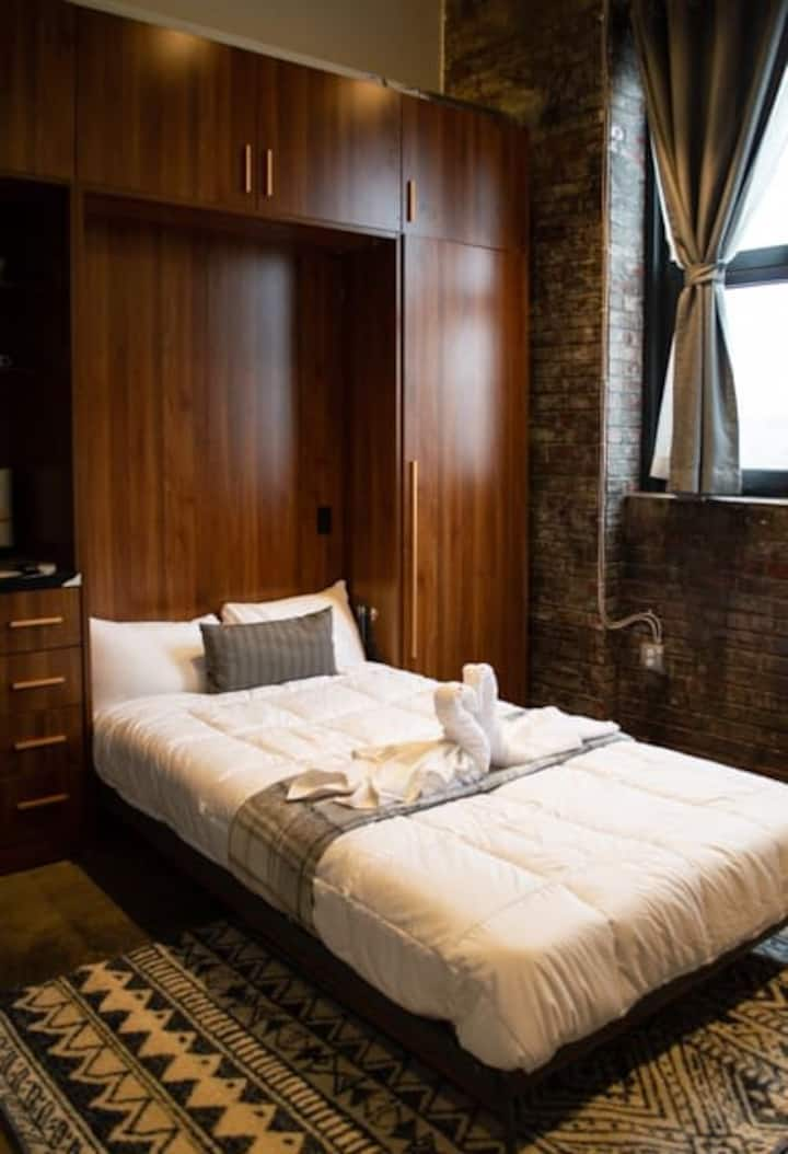 3E-Cozy! Micro apartment minutes from Shadyside, sleeps 1