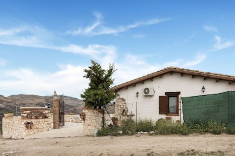 Heritage stuga i Cianciana med terrass
