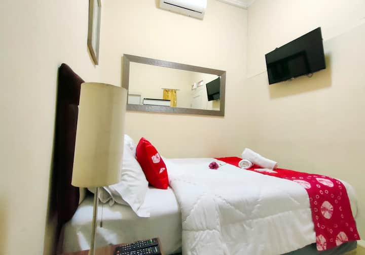 Bogor - Beautiful Room for 2 with Ac