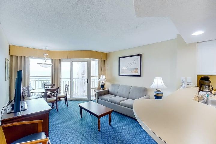 14th Floor Ocean View Snowbird Friendly Condo w/ AC, Private W/D, WiFi
