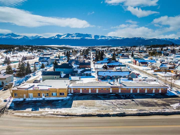 Private room in heart of Leadville, dog friendly!