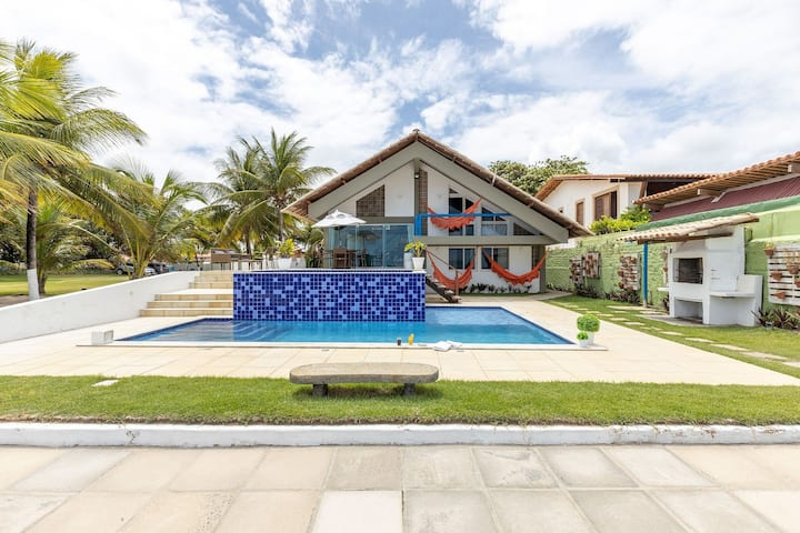 Casa Beira-Mar Serrambi com Piscina Privativa, Churrasqueira - 5 Quartos