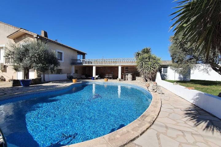 Majestic Villa in Homps with Private Pool