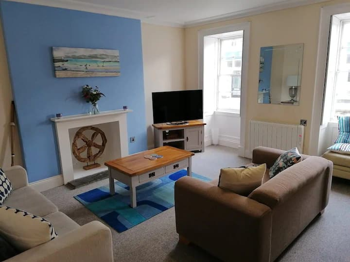 2 Bed Flat In Centre Of Falmouth