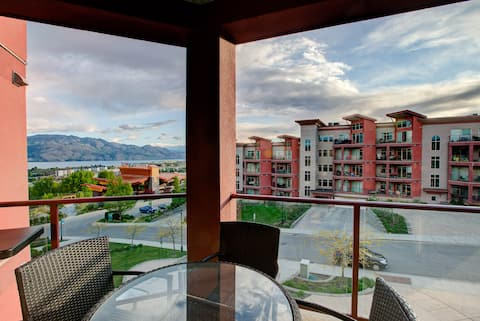 Lakeview condo at Copper Sky