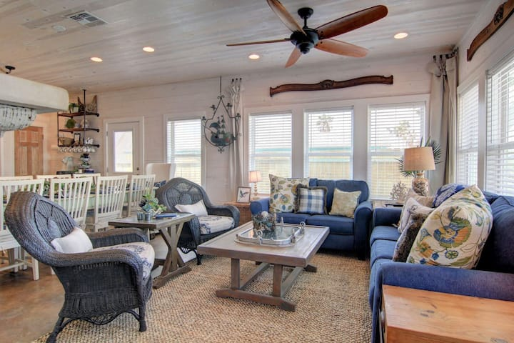 New Coastal Vintage Oasis Port Aransas