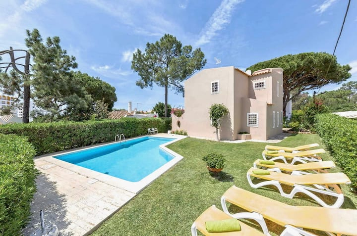 Private pool villa walking distance to local amenities