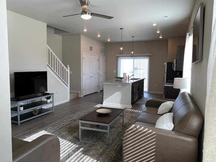 Top-Rated 4-Bedroom Modern House with Amazing Amenities