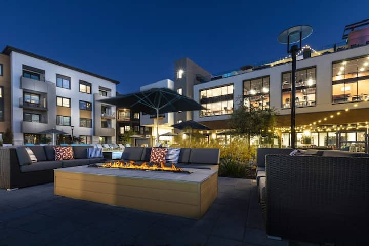 Luxury Bay Area Studio with Pool and Other Amenities