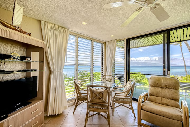 Lovely Oceanfront Oasis W/ Beach Access, Shared Pool, Gas Grills & Private Patio