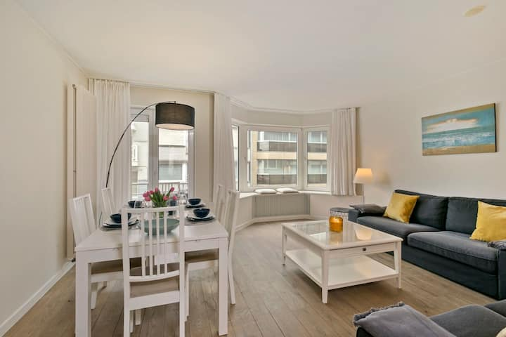 Knokke La Douce - Cozy apartment with side sea-view at only 50 meters from beach