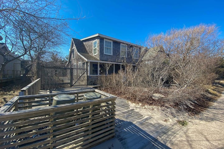 Charming Getaway Near the Beach w/ Free WiFi, Gas Grill, and Partial A/C
