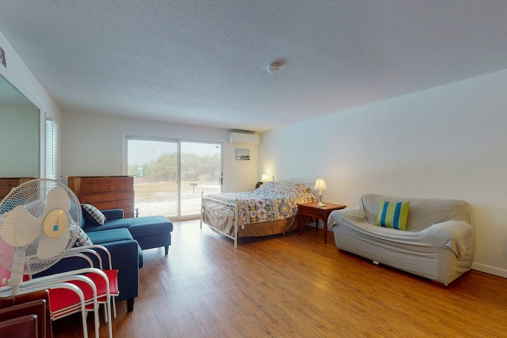 Cozy, Ground-Floor Getaway w/ Free WiFi, a Kitchen, Shared Pool, & Private Patio