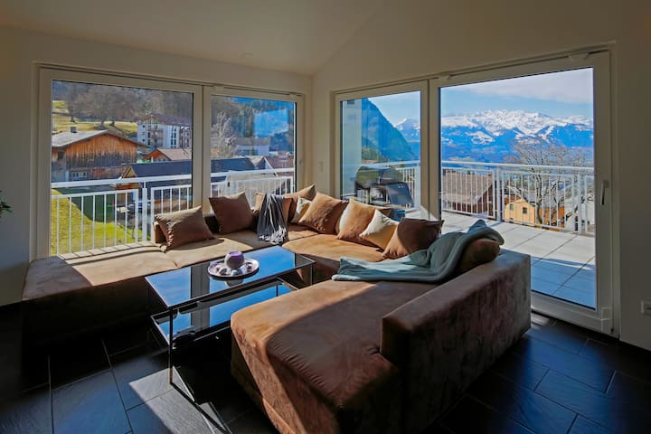 Modern and cosy 5 rooms penthouse with stunning view