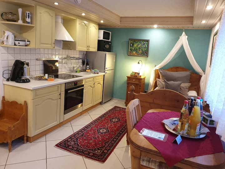 Apartment Souterrain , preiswerte moderne Logis / Angebot 4 Nächte