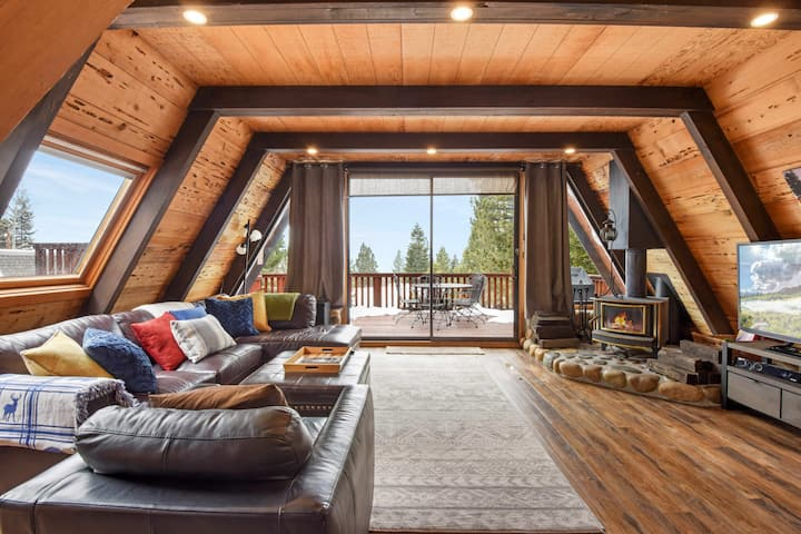Lakeview Treehouse: A-frame cabin