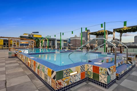 All in One Resort Style Vacation w/Pool #353