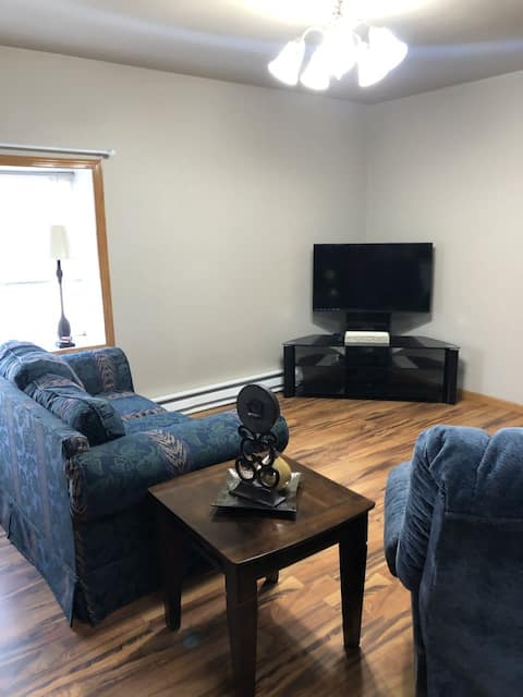 Main St month to month 1 bed, 1 bath apartment - Beulah, ND!