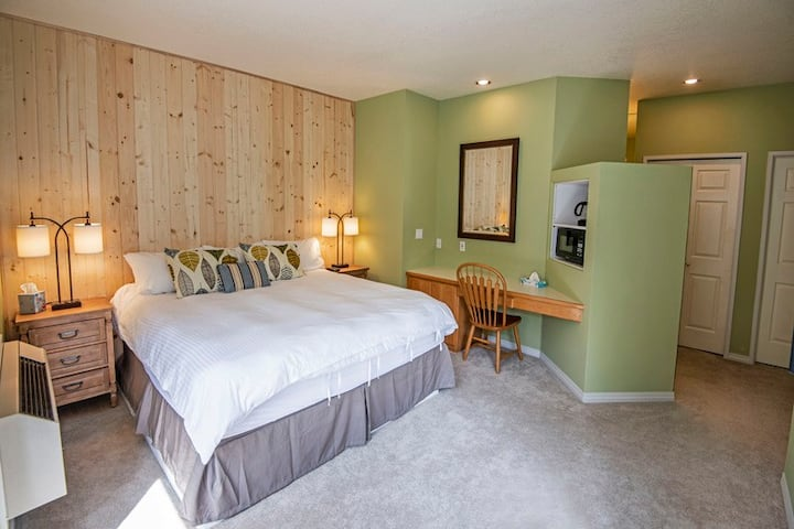 Private, hotel style suite in Bend
