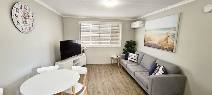 Stylish and Fully Airconditioned 2 Bed Unit