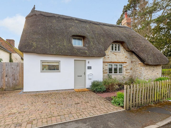 Corner Cottage (UK33331)