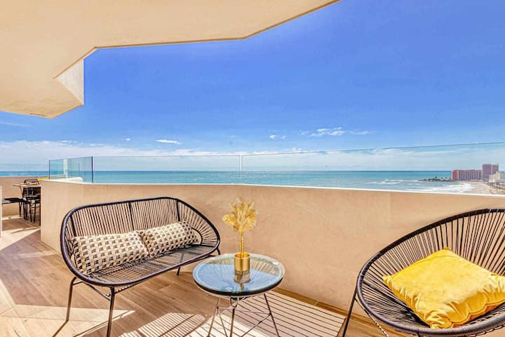 Benalbeach- Modern apartment for 5 with sea views