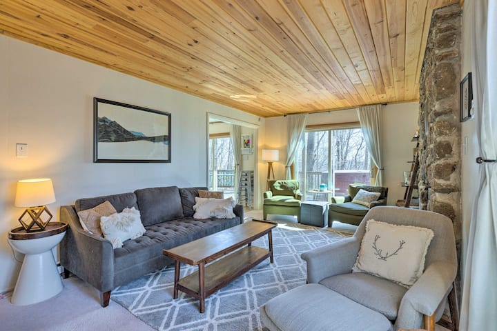 NEW! Cozy Home: Resort Access, Hot Tub & Fire Pit