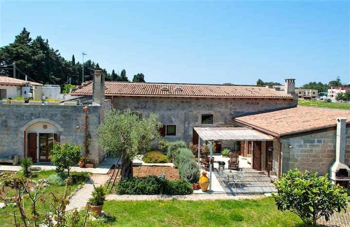 Mansion with 2 bedrooms in Minervino di Lecce, with enclosed garden and WiFi - 5 km from the beach