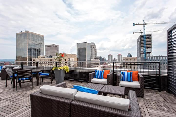 Downtown Louisville CozySuites on 3rd street
