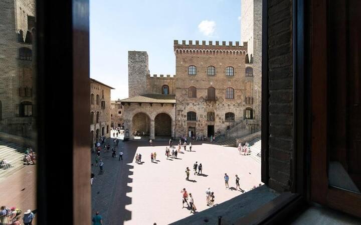 San Gimignano Studio