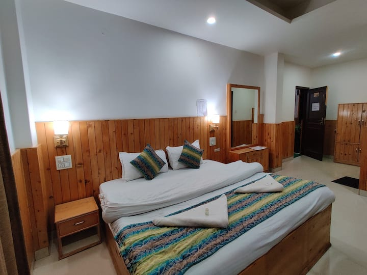 Aman Palace Guest House Kasol With Deluxe Room