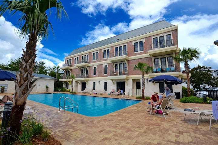 Walk to the Beach and the Pool! Near Rosemary Beach! Beautiful Studio - Coral Chic Cottage on 30A