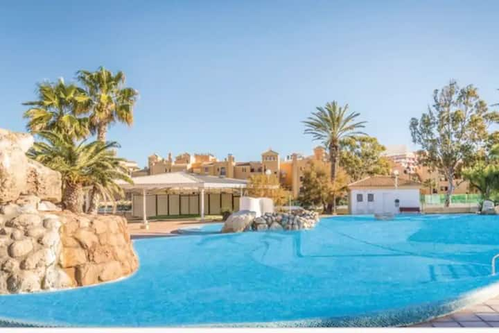Snug Apartment in Andalucía with Pool next to the Beach