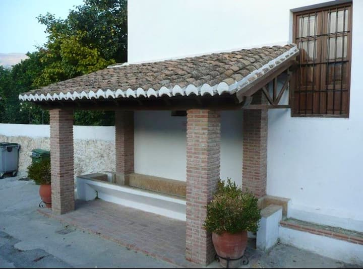 House with 2 bedrooms in Pinos del Valle, with terrace - 37 km from the beach