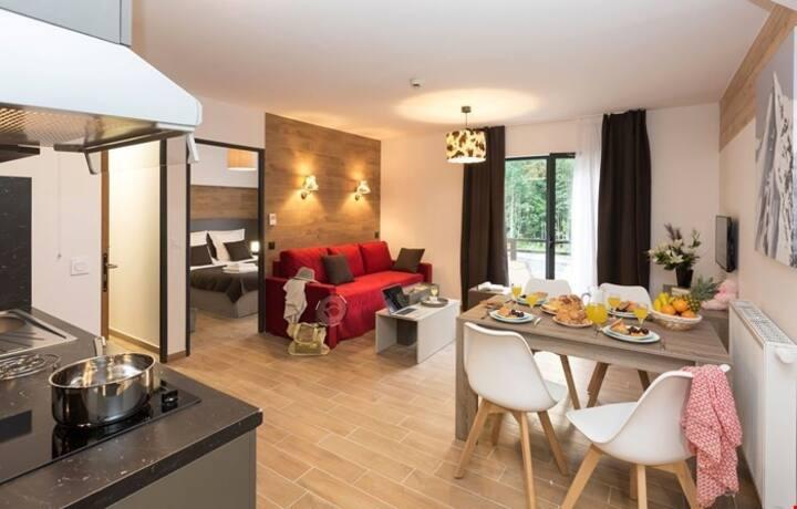 Appartement Equipé 2km des Pistes | Accès Piscine Semi-Couverte + Casiers à Skis