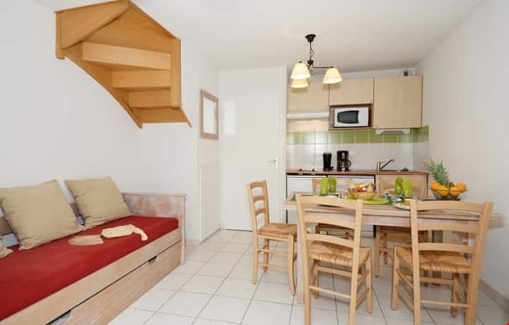 Appartement Confortable pour la Famille | Parking Gratuit + Piscine Saisonnière