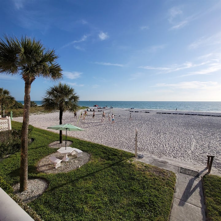 Stunning 2/2 BEACHFRONT condo on INDIAN SHORES! #1204 Beach Cottages