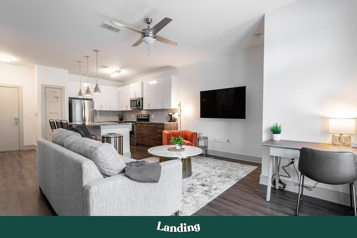 Landing | Modern Apartment with Amazing Amenities (ID177654)