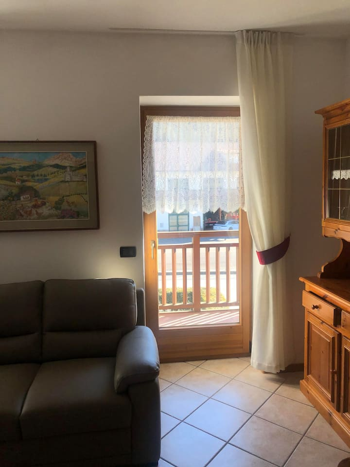 Apartment Viola with 2 Balconies & Mountain View; Parking available