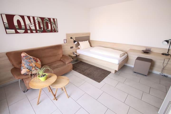 Appartements Biedermeier, (Bad Krozingen), Studio Appartement 14, 19qm, 1 Wohn-/Schlafzimmer, max. 1 Person