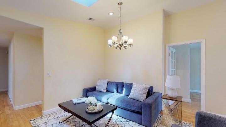 Private room in Sunny Cupertino house near Apple HQ