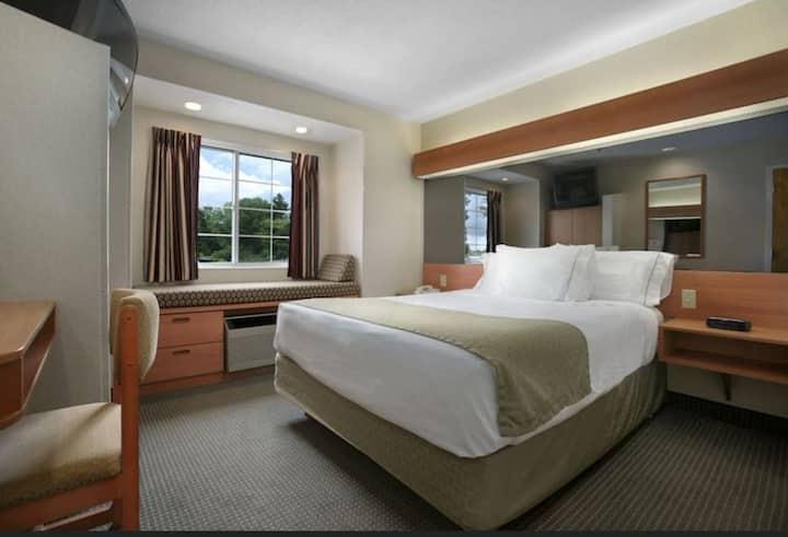 ✨1 Bedroom 1 Queen Bed