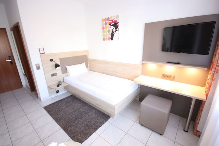 Appartements Biedermeier, (Bad Krozingen), Studio-Appartment 1. Stock, 19qm, 1 Wohn-/Schlafzimmer, max. 1 Person