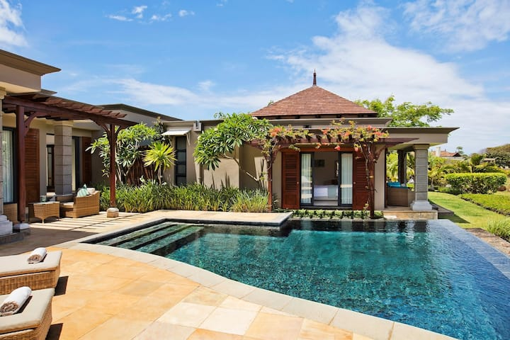 Luxury Villa with Stunning Ocean View & Infinity Pool