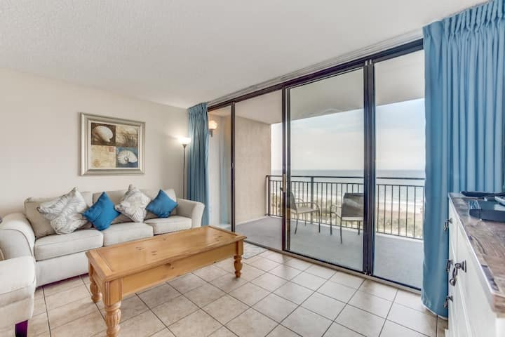 Hosteeva | Beach Front | 1BR Ocean Forest Plaza Condo w Views